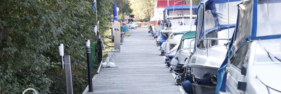 Bootshafen Yachthafen Marina Wasserski Bootsservice Mainkur Maintal